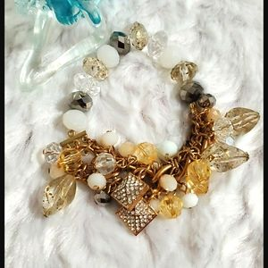 KOHL'S•Goldtone mixed media stretchy/chain•beads